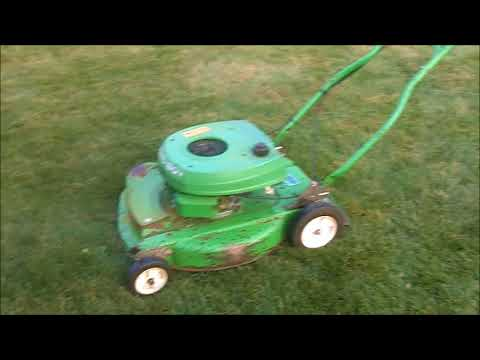 1988 Lawnboy 7073, Lawnboy 1400C and Stihl BG86 In Action
