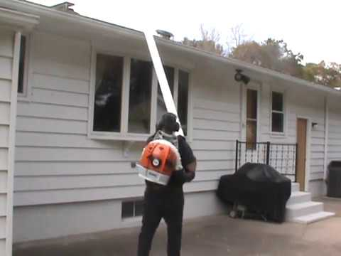 Gutter cleaning made easy using a STIHL BR600