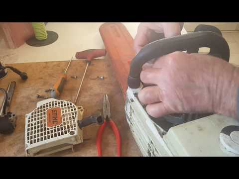 STIHL MS 2OOT:Changer la bobine électronique,le module d'alĺumage 1ère partie