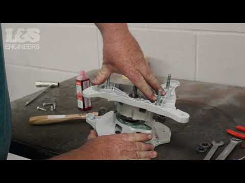 How to Replace the Crankshaft on a Stihl TS420 Disc Cutter | L&S Engineers